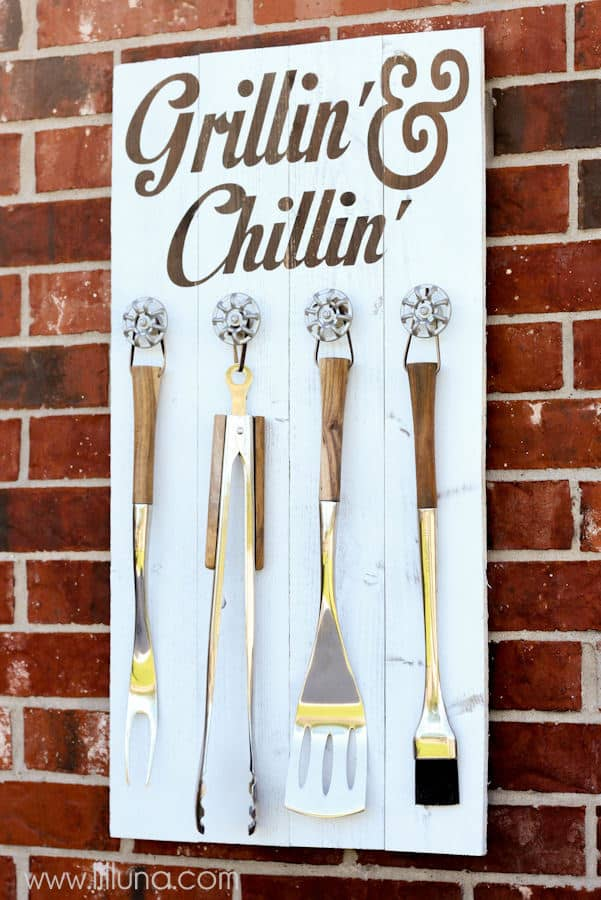 grillin-and-chillin-sign-3