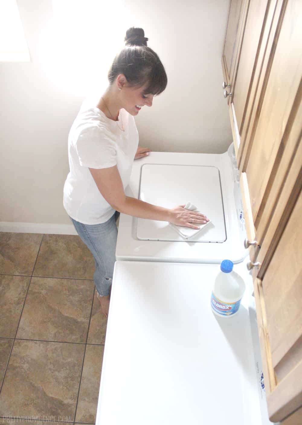You may have wondered if washing machines needed to be cleaned out? Well, they do! Here is how to clean your washing machine, quick and easy!