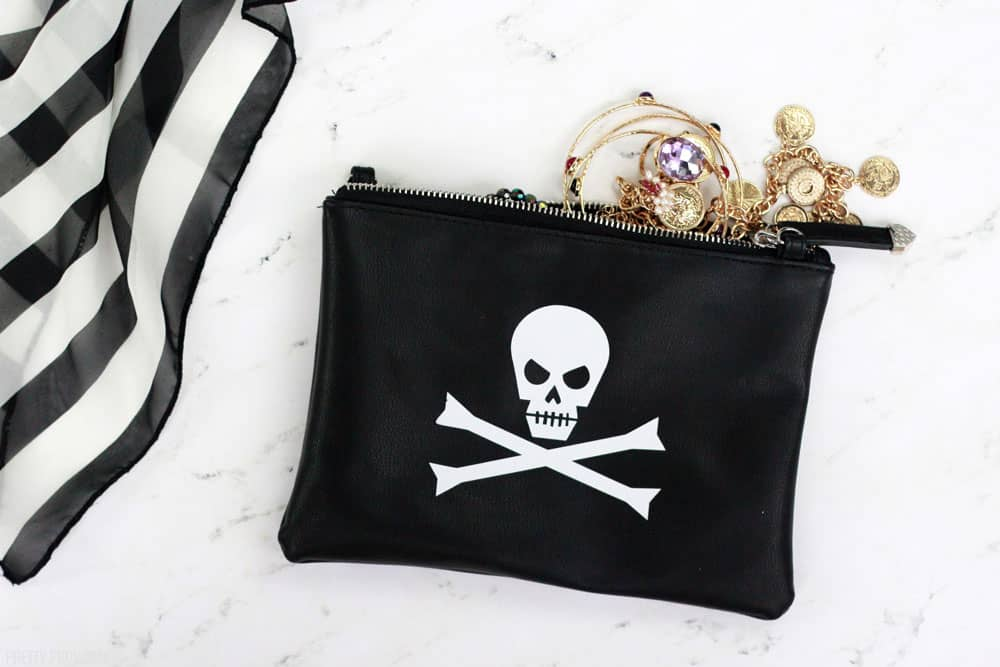 DIY Pirate Costume - Easy Clutch with Skull and Crossbones