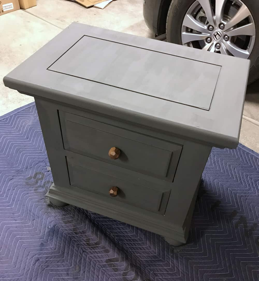 nightstand-before-topcoat