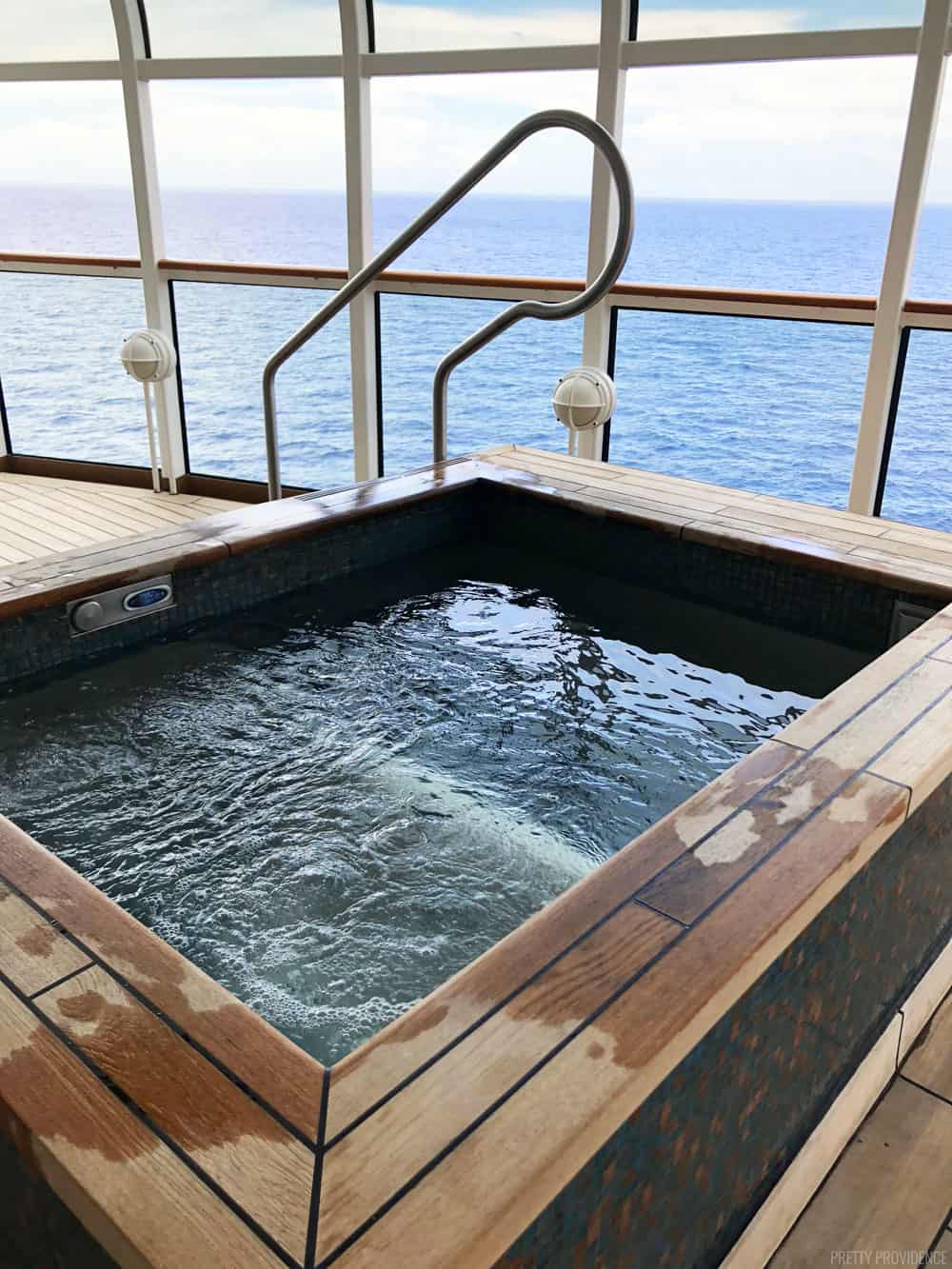 senses-spa-hot-tub-disney-cruise