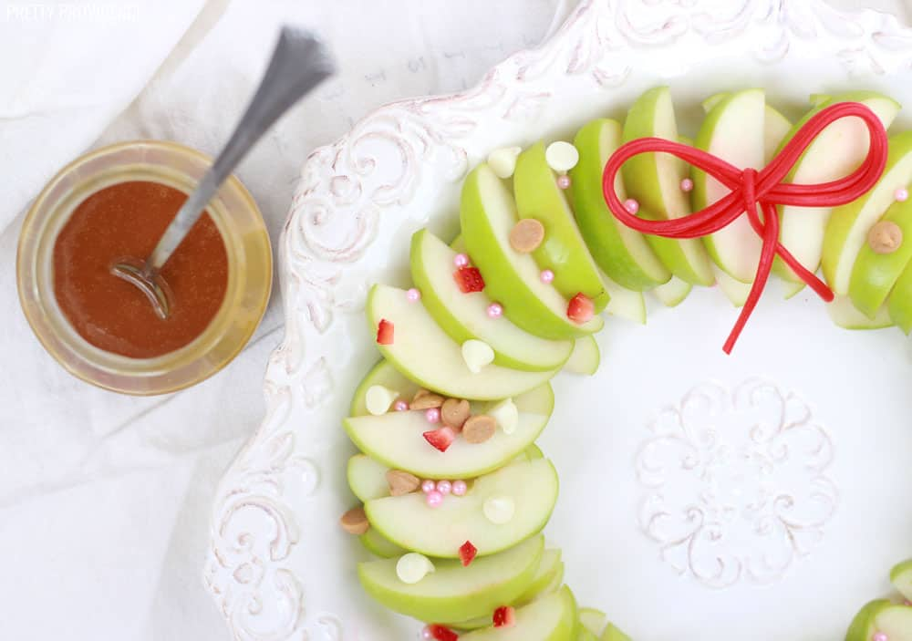 Apple Nachos Christmas Wreath - perfect food for a Christmas party.