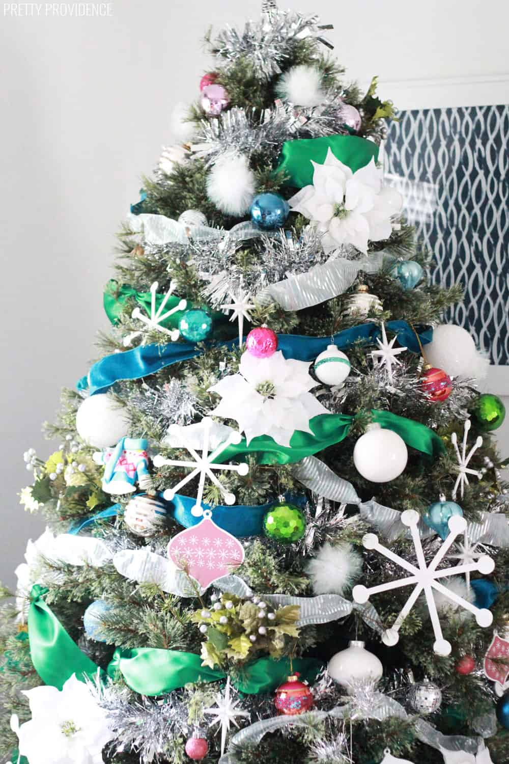 colorful-christmas-tree-with-ribbon