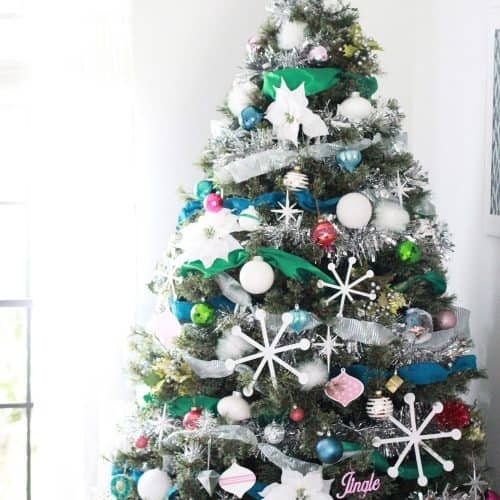 How to Decorate a Christmas Tree – Tips and Tricks