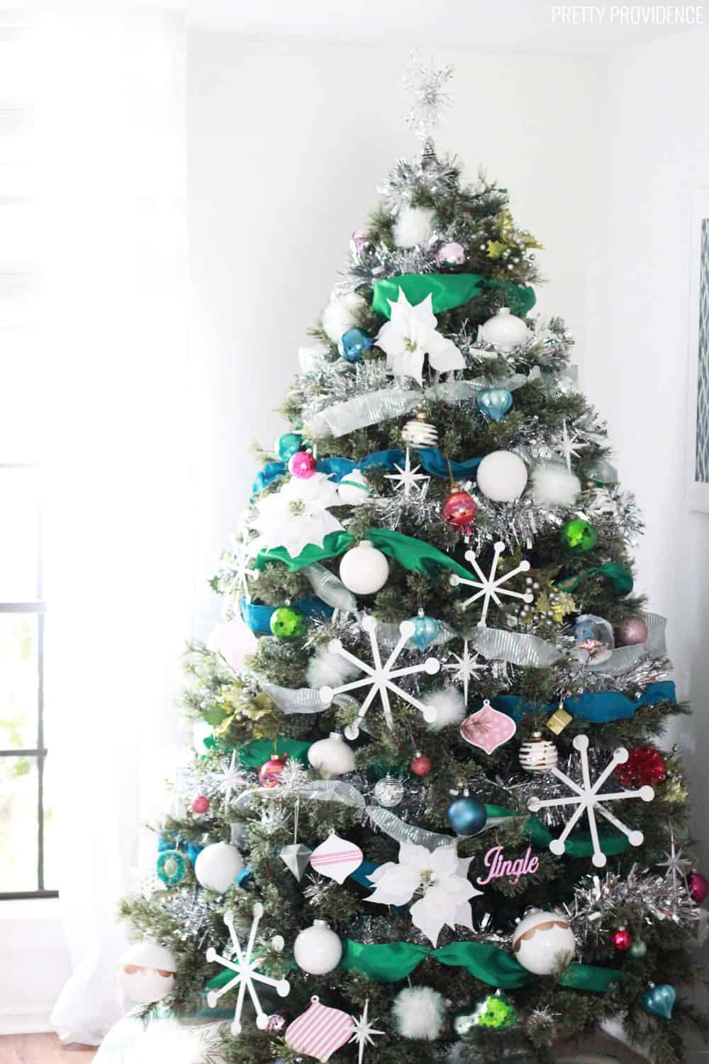 How to Decorate a Christmas Tree - Tips and Tricks