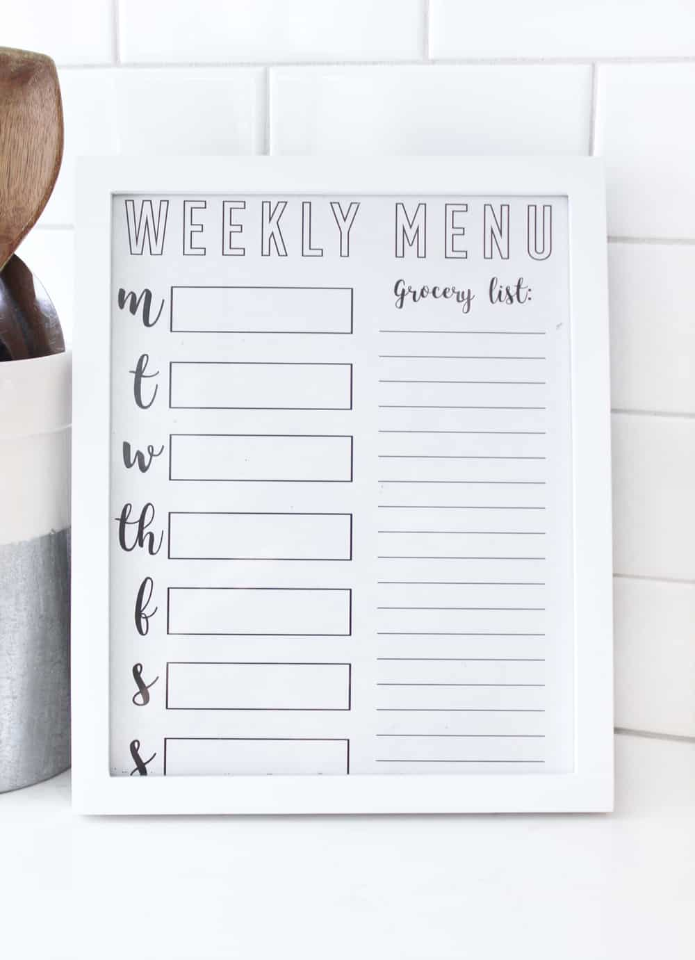 I love this weekly meal planner printable! Just laminate or stick in a frame and re-use every week! Helps so much to know ahead of time what to make for dinner!