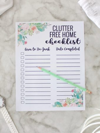 I love this clutter free home checklist! A perfect way to organize and declutter a little at a time until your house is perfectly functional and organized!