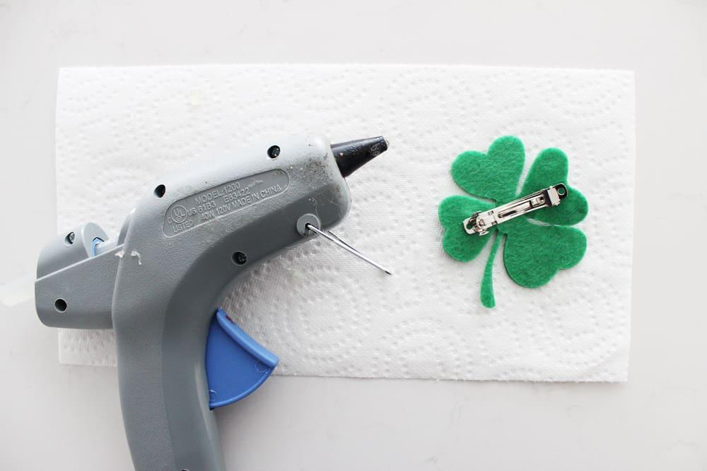 glue clip together