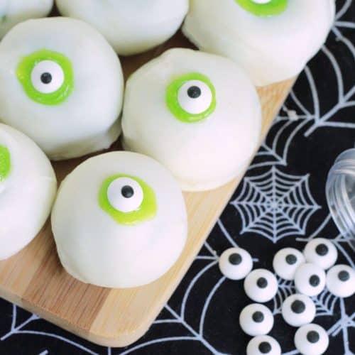 Eyeball Cake Bites