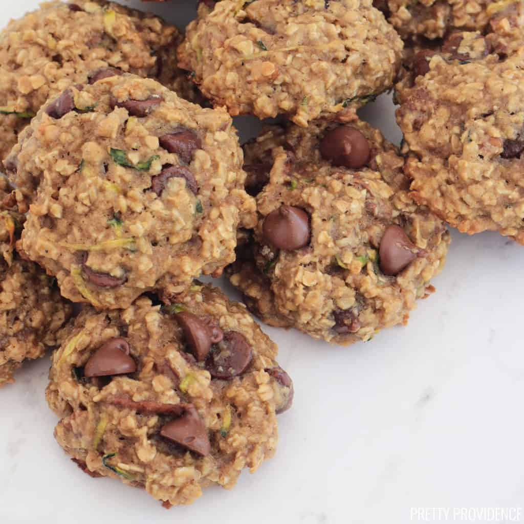 Healthy breakfast cookies with zucchini, oatmeal and chocolate chips.
